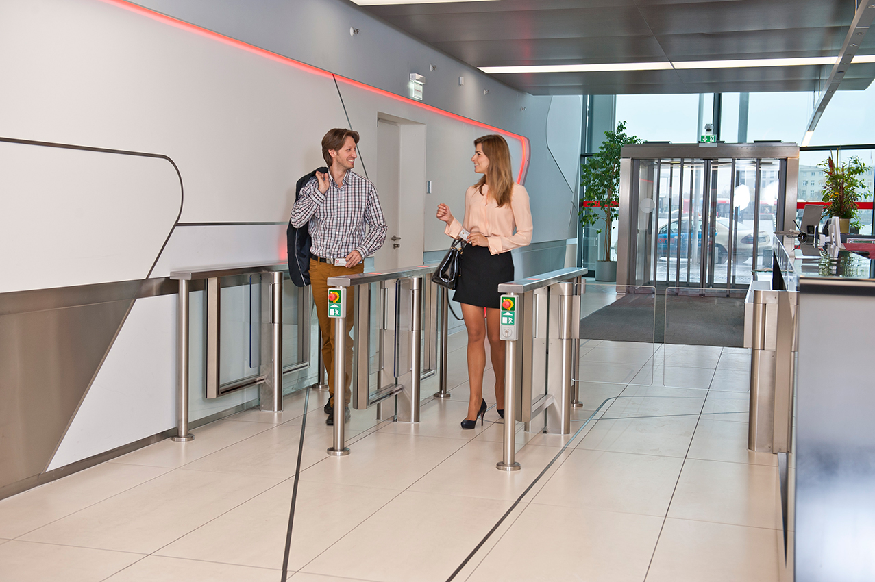 Torniquetes KABA de pasillo con sensor   Control de acceso y asistencia
