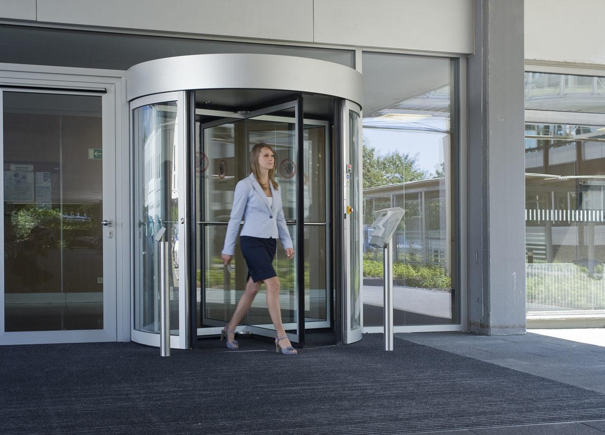 Puerta giratoria altura completa KABA   Control de acceso y asistencia